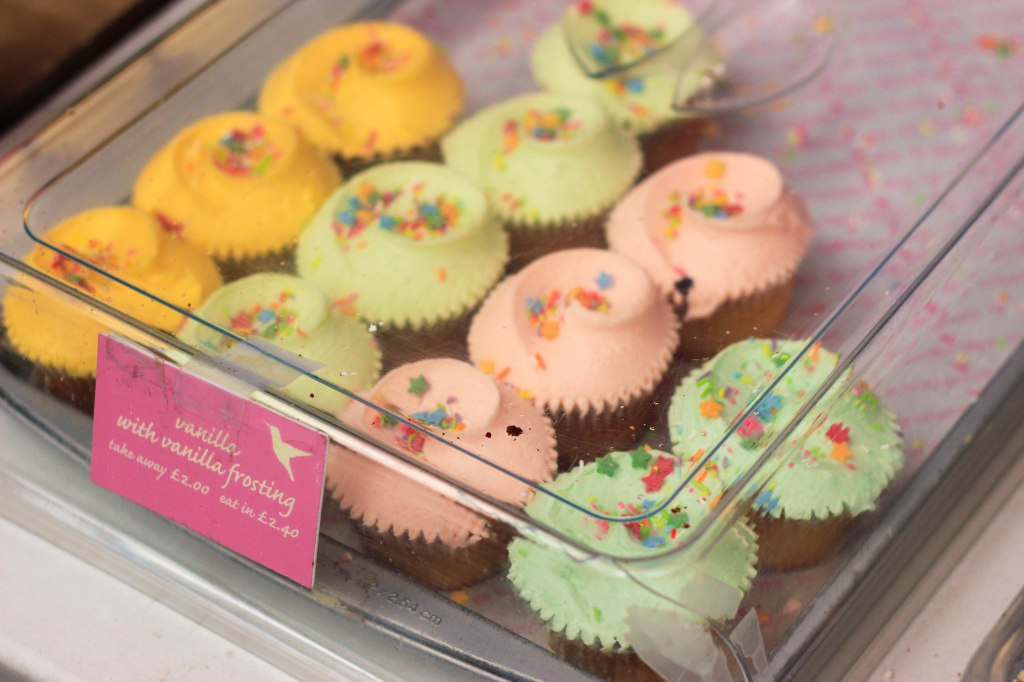 Portobello Market, London, England, ตลาด, ลอนดอน, อังกฤษ, Hummingbird Bakery
